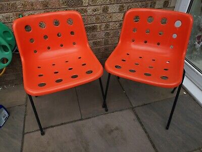 2 Retro 1970s Robin Day Chairs
