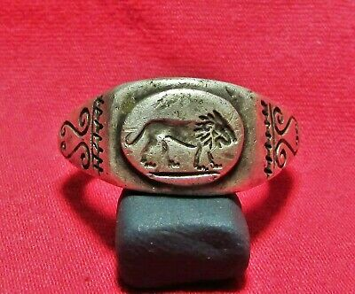 Roman  Ancient Silver Legionary Ring ( Lion )