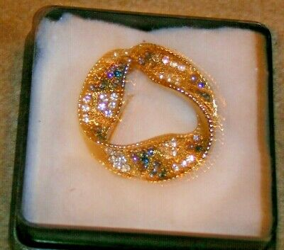 Three Ladies Costume Jewellery Broaches-Nice items see Pictures -Classy
