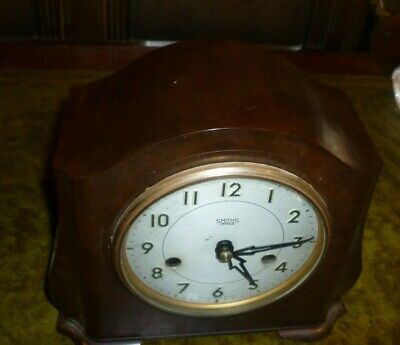 Art Deco Smiths Bakelite Striking Mantle Clock In Good Working Order