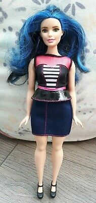 Barbie Fashionista Doll Blue Hair Curvy  - H