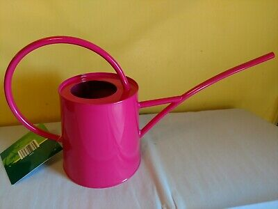 Wonderful Classic Shape Galvanized Metal Watering Can, 1/2 Gallon, New Red