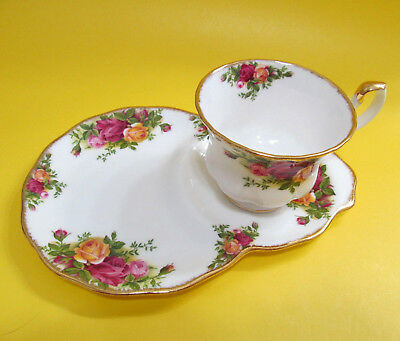 Royal Albert Old Country Roses Desert Plate and Cup Tennis Set