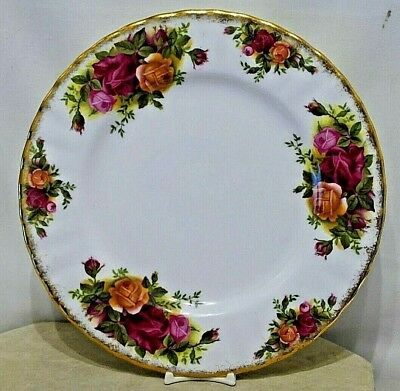 """ROYAL ALBERT OLD COUNTRY ROSES Side Plate 7"""" Diameter ~ Gold Border 1st Quality"""