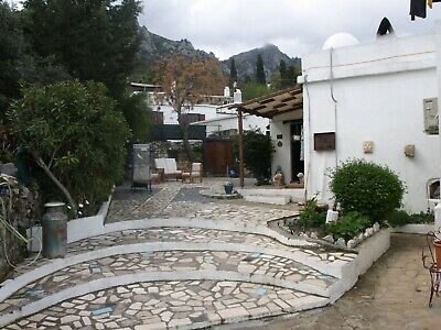 Cypriot traditional 2 bedroom cottage plus car