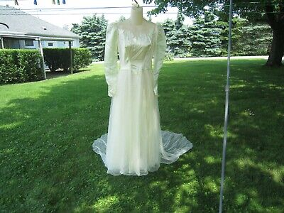 Vintage 1940's WWII Satin & Tulle Ivory Long Sleeve WEDDING DRESS The Aquila