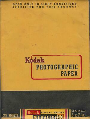 "Kodak Photographic Paper Dbl Weight Medalist G-3 5"" X 7"" 25 Sheets Exp 10/59 t"