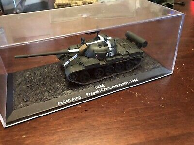 Altaya T-55 Polish Army Prague 1968  1/72 Scale Model Rank In Case