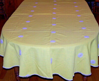 "VINTAGE 1960's RETRO TABLECLOTH, SUNSHINE YELLOW w/ WHITE DAISY DESIGN 102"" LONG"