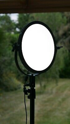LS Edge 300RS 10-Inch Round LED Light with Stand
