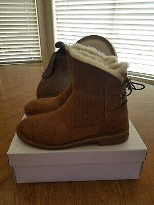 2de952d5a63 UGG NAIYAH STOUT Fur Leather Lace-up Bow Ankle Boots Booties Size US ...