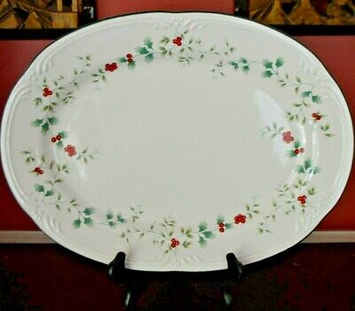 Pfaltzgraff WINTERBERRY Oval Serving Dish Platter Christmas Holly Red Berries