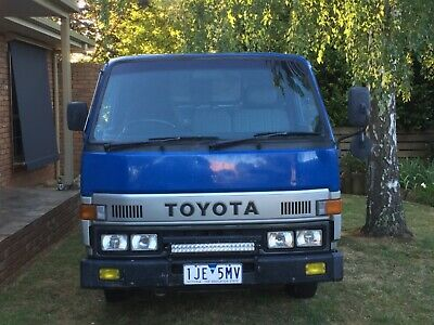 1988 TOYOTA TOYOACE (DYNA 150) 5 SPEED DIESEL LOW Kms