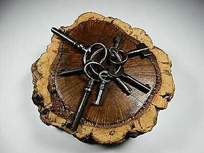 Old Antique 18Th Century Lot Of 8 Keys Skeleton In Solid Iron