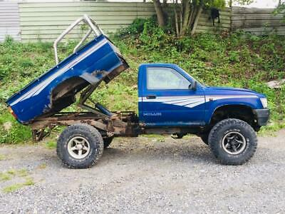 1992 Toyota Hilux 2.4 Diesel Mk3 Lifted Single Cab Tipping Body