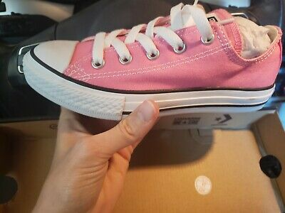 507654b6d4b NWOB GIRLS PINK Converse All stars Size 1 Youth