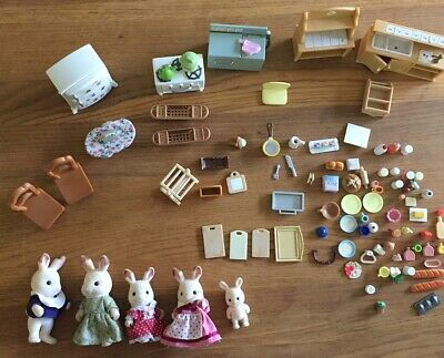 Sylvanian Families Kitchen with rabbit family, appliances and utensils, food