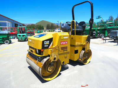 2012 Caterpillar CB-24 Smooth Double Drum Vibratory Roller Water System bidadoo