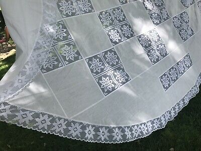 """VTG Lace Tablecloth Checkerboard OVAL 66x80"""" White on white Floral Ruffle VGUC"""