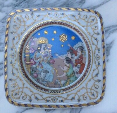 5 Hutschenreuther Weihnachtsteller Germany Christmas Plates in perfect condition