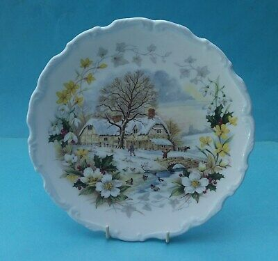 Bone China Royal Albert Cottage Garden Year Series Collector Plate - Winter