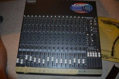 Mackie 1604-VLZ PRO 16x4x2 Compact Mic/Line Mixer w/100ft Stage Snake