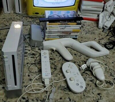 Nintendo Wii White System Lot w/ 11 Games Console Bundle Gamecube Compatible