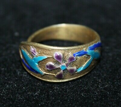Antique Chinese enamel on silver ring.