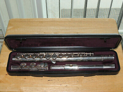 Yamaha 221 Flute IN CASE