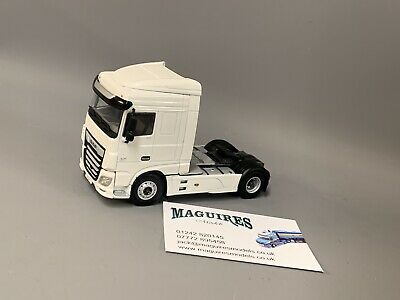 WSI Models03-2017  White Line; MERCEDES BENZ ACTROS MP4 STREAM SPACE 6x2