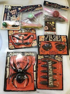 8 Vintage 1963 Monster Toys Space Toys Vampire Spider Carded