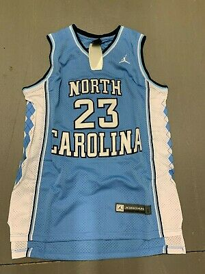 classic fit 49bbc 2f1c3 UNC VINCE CARTER #15 North Carolina Tar Heels Throwback Jersey Home/Road