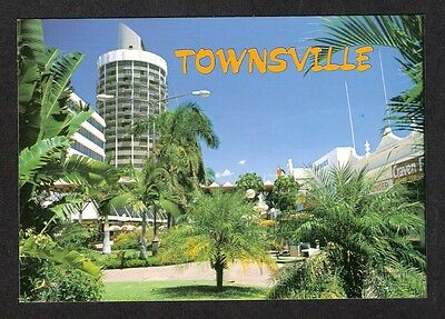 QLD - c1980s POSTCARD - FLINDERS MALL IN TROPICAL SETTING, TOWNSVILLE, QLD