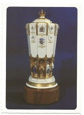 ACT - c1980s POSTCARD - THE QUEEN'S VASE, PARLIAMENT HOUSE, CANBERRA, ACT