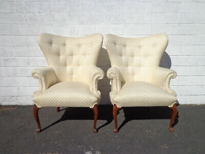 Pair of Chairs Traditional Wingback Armchairs Chair Seating Vintage Wing Back