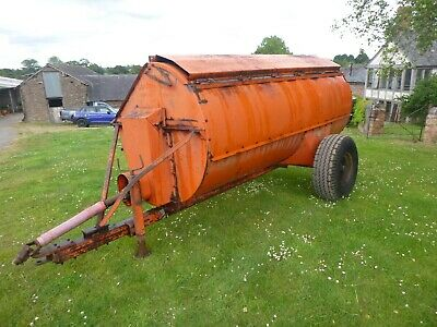 Howard 150 muck spreader, the barrel could do with a bit of welding