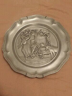 Decorative Wine Making Wall Hanging Pewter Plate Winery Collectible Decor Grapes