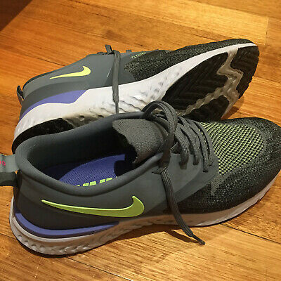 NIKE Odyssey React Flyknit 2 Mens Size 11 Running Shoes