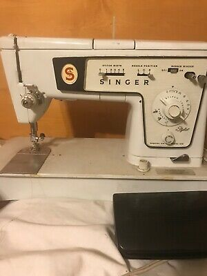 Vintage Singer Sewing Machine zig zag 478 machine Made In Britain