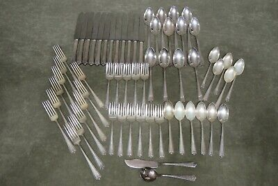 Rockford Silver Plate Co. 1929 Bradford Pattern Service for 12 (-2) (+2 Serving)