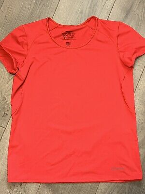 Women's Patagonia Activewear Top Size Large Fitness Short Sleeve Hiking