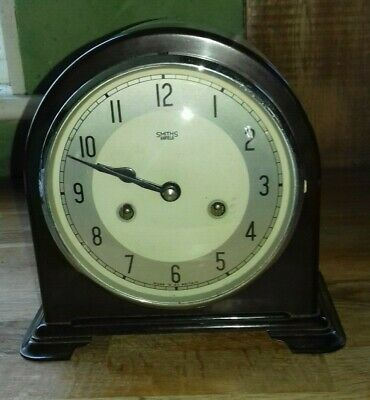 Vintage Art deco Smiths Bakelite Mantel Clock, Striking. 8 Day.