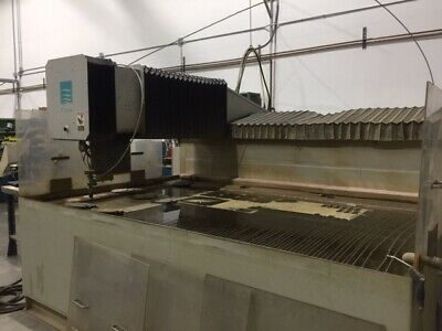 FLOW INTEGRATED FLYING BRIDGE I-4800  WATERJET CUTTING SYSTEM MFG 2003 Low Hours