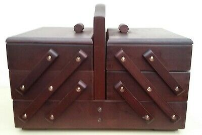 BNWT Hobby Gift Mahogany Stain Wood 3 Tier Cantilever Sewing Box Art Craft Hobby
