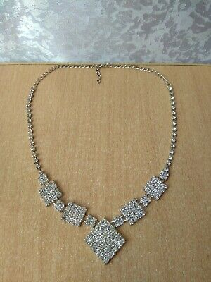 RARE old SET VINTAGE Necklace white stone very nice