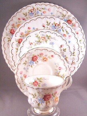 Royal Albert Jubilee Rose Bone China 5 Pc Place Setting - Roses - England