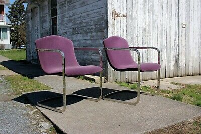 Pair of Vintage Mid-Century Cantilevered Chairs by Brueton