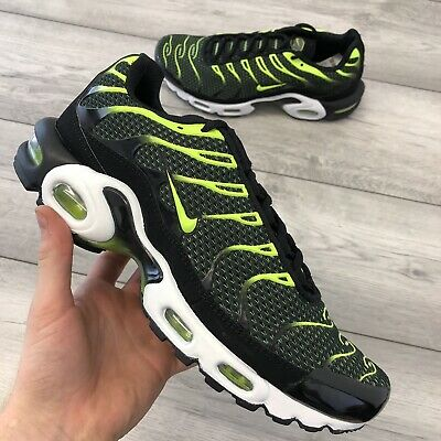 NIKE AIR MAX Plus Black Electric Green Größe 41 neon grün