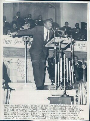 1967 WirePhoto Comedian Dick Gregory NY Powells Church Abyssinian Baptist 8X10