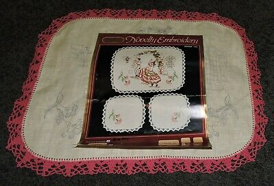 Retro Big Oblong Doily Spanish Flamenco Dancers Crewel Embroidery Traced Stamped